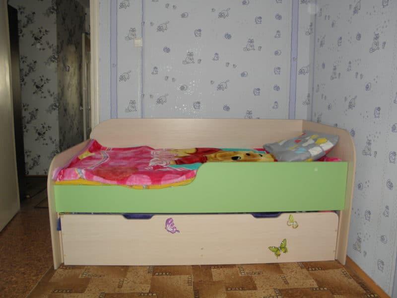 Кровать для погодок