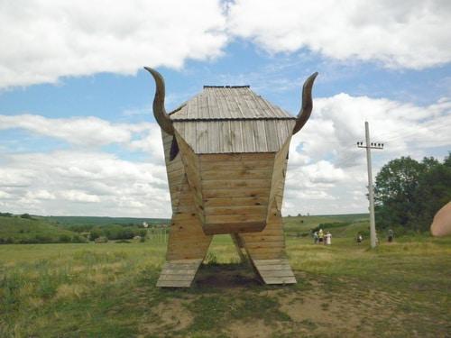 Деревянный бык на Кудыкиной горе