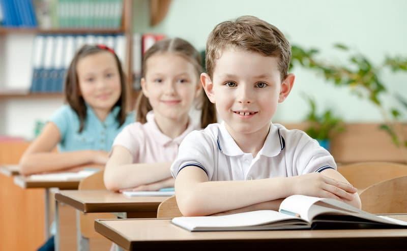 В первый класс с шести лет. А стоит ли