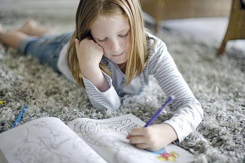 Как определить, ребенок правша или левша