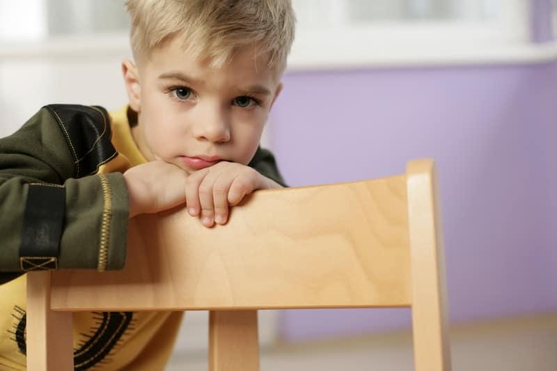 Почему ребенок заикается